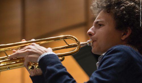 """""""Musica sotto l'albero"""", a Valbondione il giovane prodigio del jazz Matteo Vertua"""