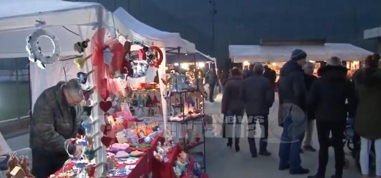 Dicembre, entra nel vivo il Santo Magico Natale – video