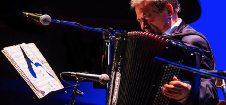 Addio al fisarmonicista Marcel Azzola, originario di Pradalunga