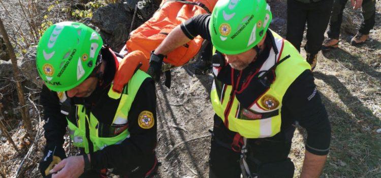 52enne si ferisce in Maslana, recuperata dal Soccorso Alpino