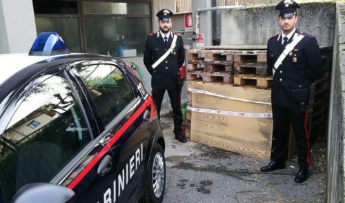 Rubava bancali di notte, 67enne di Alzano arrestato