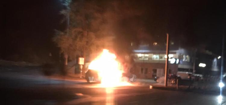 Auto in fiamme a Casnigo, sul posto i Vigili del fuoco