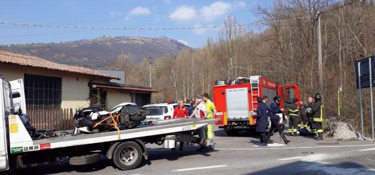 Scontro auto moto a Casnigo, resta grave vigile del fuoco 56enne