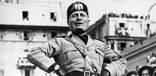 Bergamo, tolta la cittadinanza onoraria a Benito Mussolini
