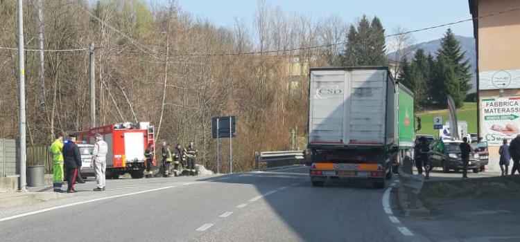 Incidente in via Lungo Romna a Casnigo, grave motociclista
