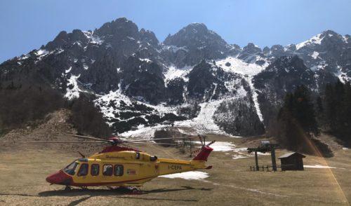 In difficoltà sulla ferrata del monte Alben, recuperato dall'elisoccorso
