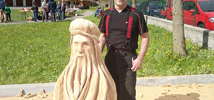 Leonardo scolpito nel legno vince a Valbondione – foto