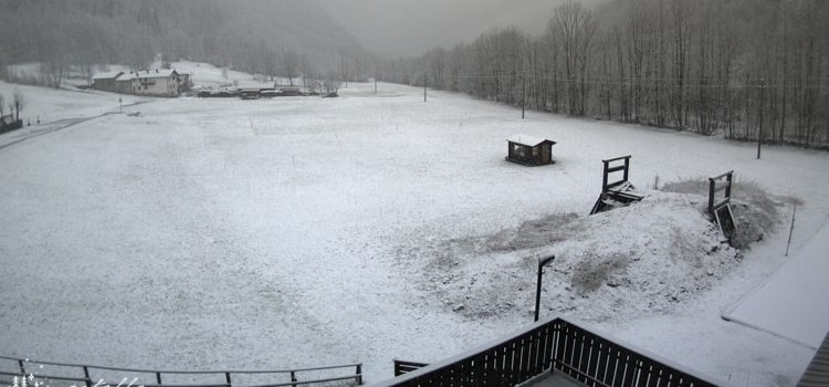 Precipitazioni abbondanti in Valle Seriana: a Valbondione torna la neve – Foto