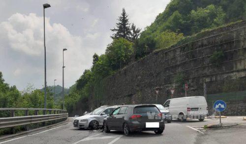 Incidente lungo la strada per la Val Gandino