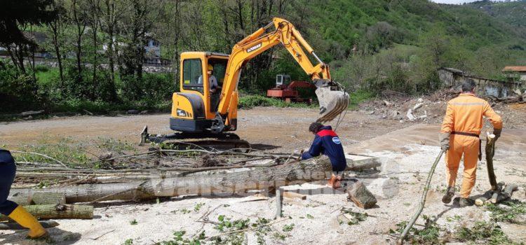 Colzate, piazzola dell'elisoccorso agibile grazie alla Protezione Civile – foto