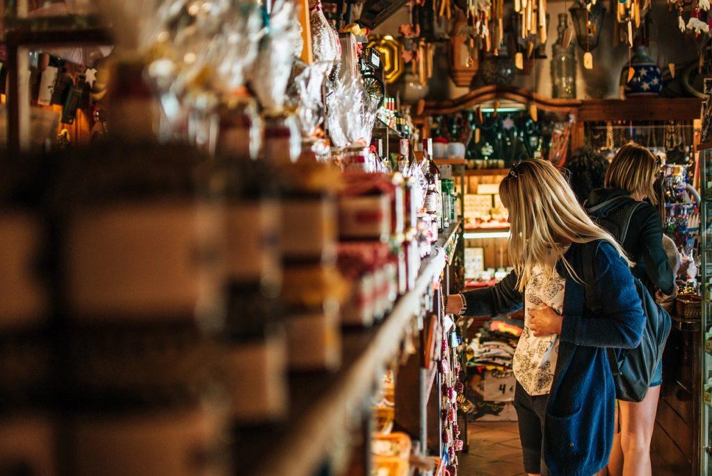 In calo i negozi di vicinato 317 chiusi in un anno in for Negozi arredamento bergamo e provincia