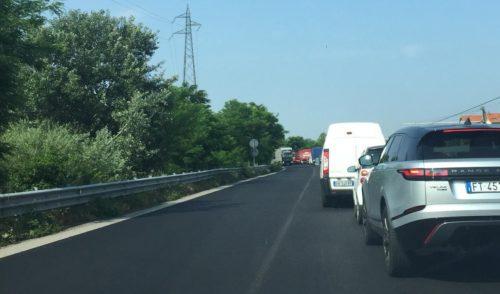 Incidente all'ingresso della Montenegrone, code verso Bergamo