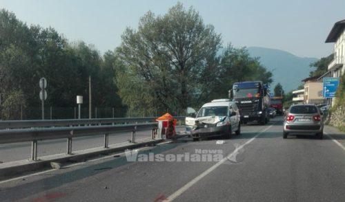 Incidente sulla provinciale tra Cene a Gazzaniga, code in entrambi i sensi di marcia