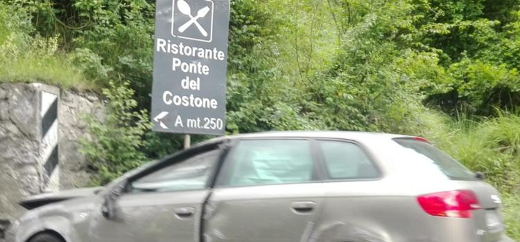 Incidente sulla Provinciale a Casnigo tra un camion e due auto