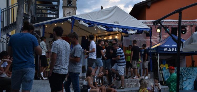 """Con gli """"Amici della Piazzetta"""" Casnigo si anima a festa"""