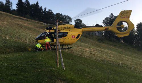 3 ciclisti in difficoltà ad Aviatico, interviene l'elisoccorso