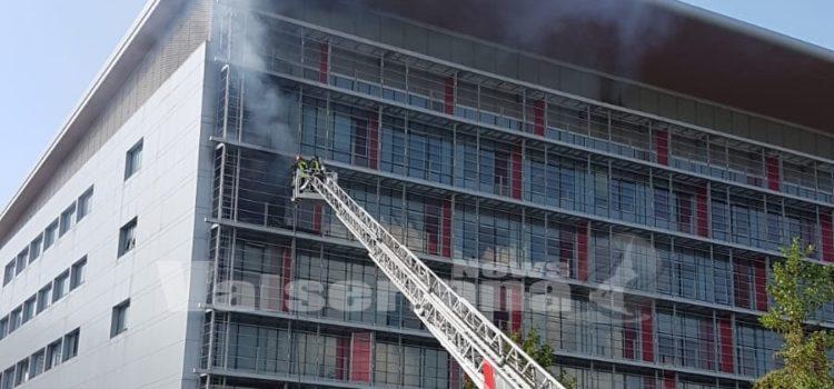 Incendio al Papa Giovanni, muore una paziente: fiamme provenienti dalla sua stanza