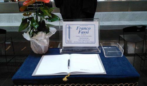 Albino, lutto cittadino nella giornata dell'ultimo saluto a Franco Fassi