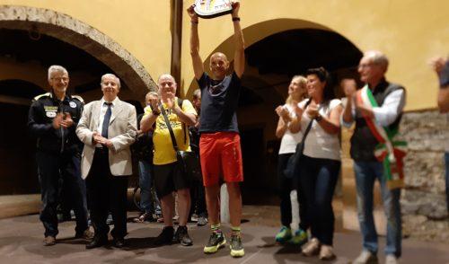 Gandino abbraccia il mito Oliviero Bosatelli – foto e video