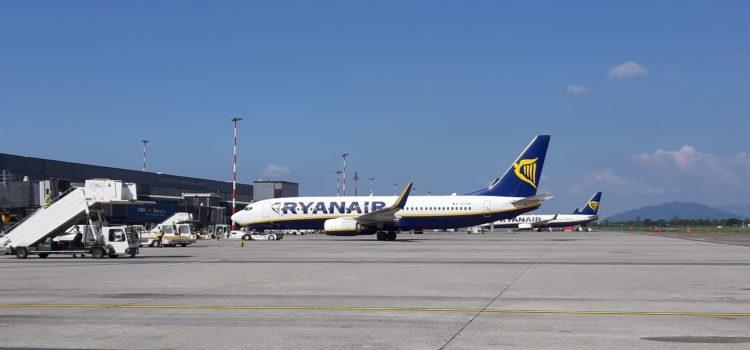 Mezz'ora di sosta gratis all'aeroporto di Bergamo per il prelievo passeggeri