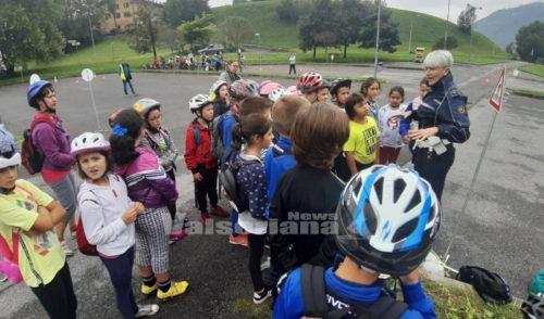 """""""Bici e scuola insieme"""", bambini vigili per un giorno"""