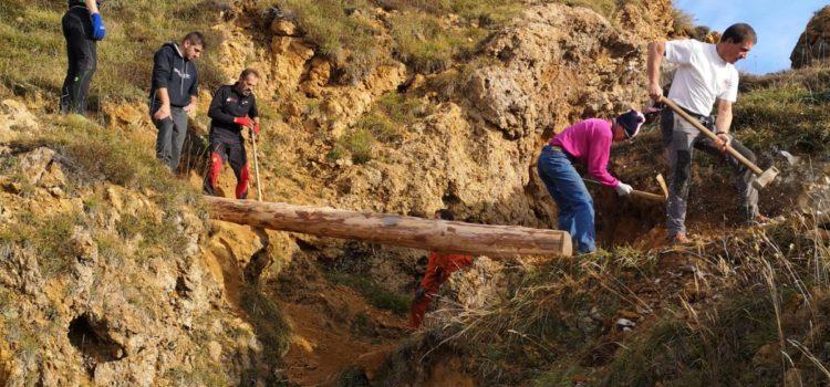 Sicuri in montagna: installato un ponte sopra la voragine alla Manina