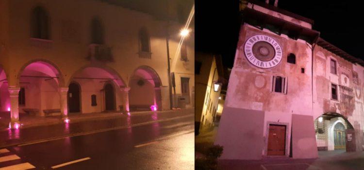 Prevenzione tumore al seno, palazzi tinti di rosa in alta Val Seriana