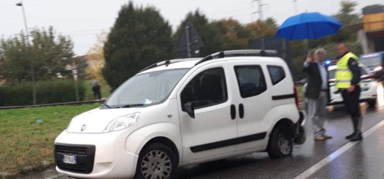 Incidente ad Alzano, code lungo la strada provinciale