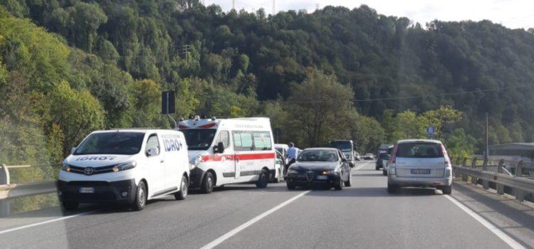 Ciclista 59enne investito al semaforo di Colzate