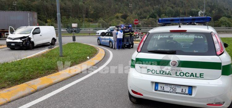 Incidente a Ponte Nossa, grave motociclista 38enne
