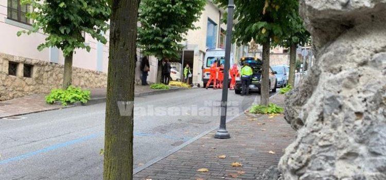 Malore per strada, 69enne muore a Clusone