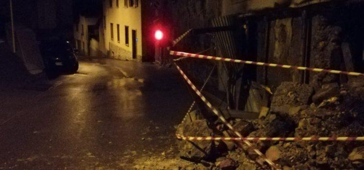 Crolla vecchio edificio a Cerete, disposta la demolizione