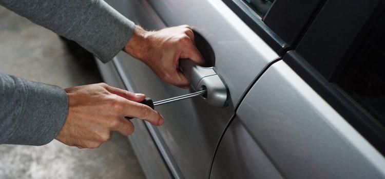 Piario: furto in auto, rubata attrezzatura del Centro Italiano di Consulenza Relazionale B.A.U