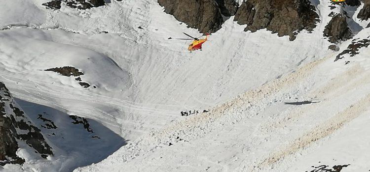 Val Brembana, 3 sciatori travolti da una slavina