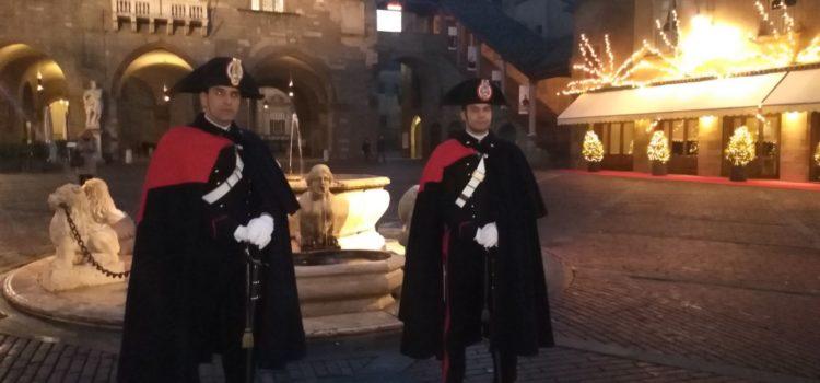 Bergamo: Carabinieri in alta uniforme nel centro storico