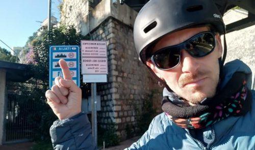 Da Barcellona a Clusone in bici, il sogno di Mariano