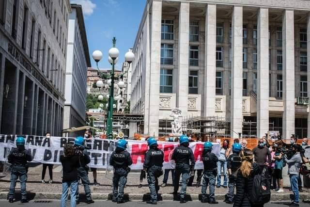 Boccia: No al passaporto sanitario Il Governo vuole riaperture uniformi