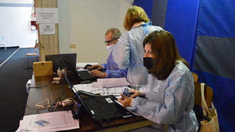 Vaccini: governo-parti sociali, sì al protocollo in luoghi di lavoro - Economia